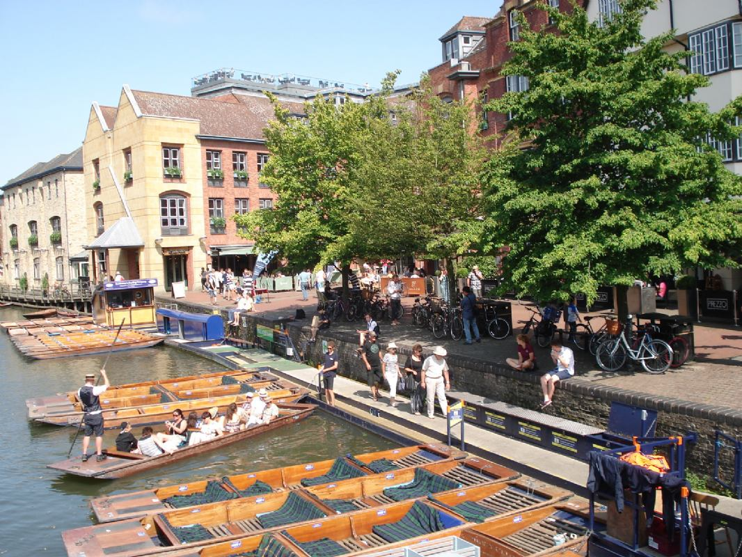 English in England + 18 & odrasli - CAMBRIDGE